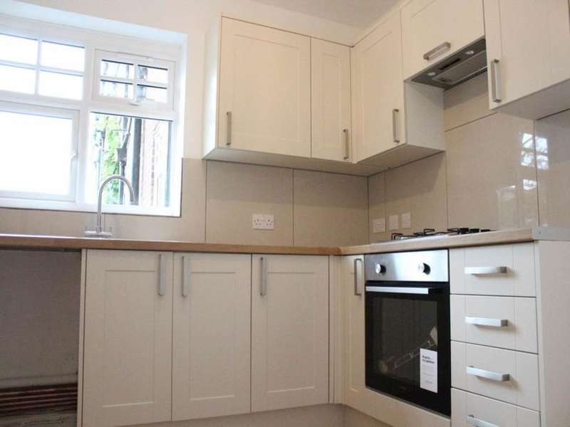 2 Bedrooms House for rent in 8 Bradford Court, Firle Road, Eastbourne, East Sussex