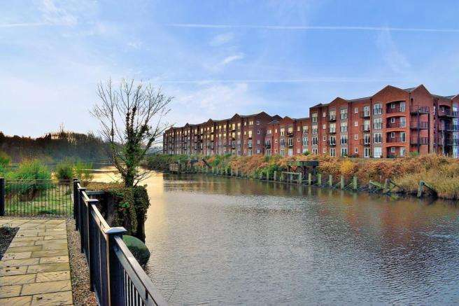 2 Bedrooms Apartment Flat for sale in Emperor Court, Walton, WARRINGTON, WA4