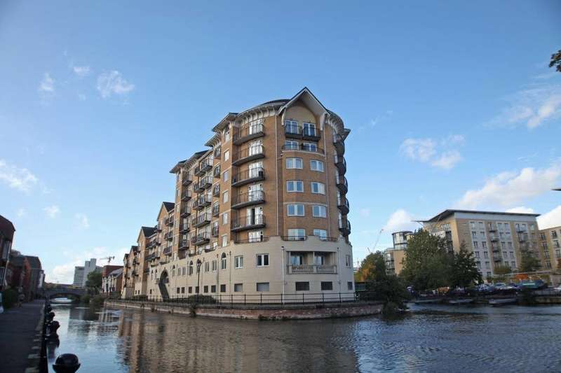 2 Bedrooms Flat for sale in Blakes Quay, Gas Works Road, Reading, Berkshire, RG1