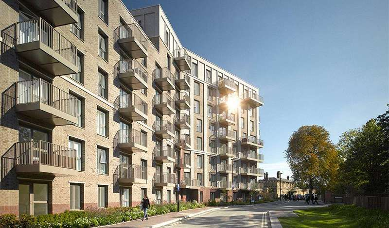 3 Bedrooms Flat for sale in Adenmore Road, Catford, London, SE6