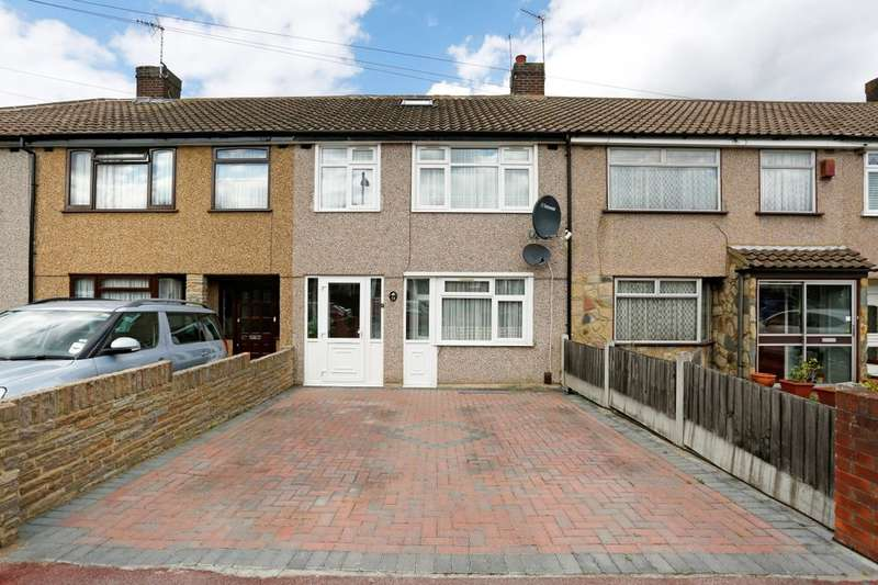 4 Bedrooms Property for sale in Eastbrook Drive, Romford, RM7