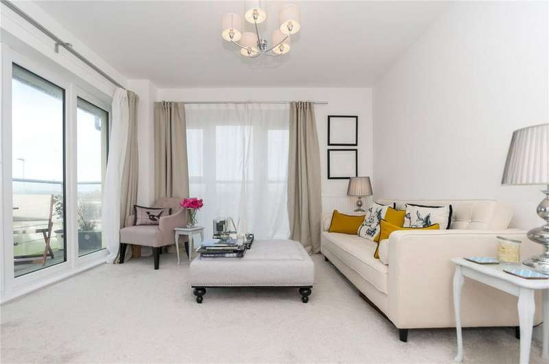 1 Bedroom Flat for sale in Drake House, 21 Eirene Road, Worthing, West Sussex, BN12