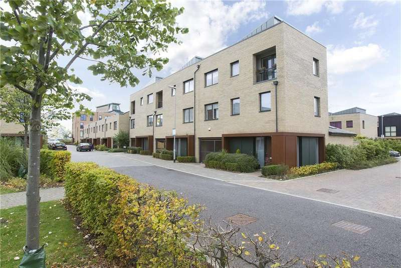 4 Bedrooms End Of Terrace House for sale in Glebe Farm Drive, Trumpington, Cambridge, CB2
