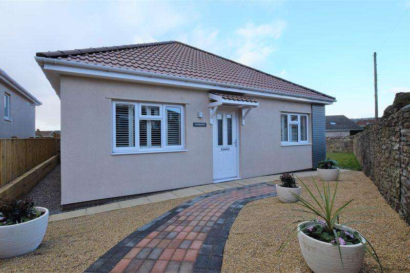 2 Bedrooms Detached Bungalow for sale in Mature location not far from Nailsea Town Centre