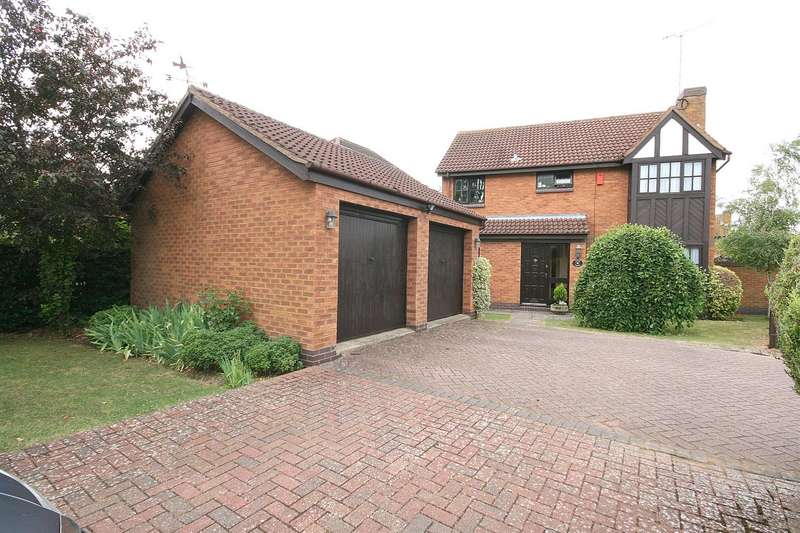 4 Bedrooms Detached House for sale in South Riding, Edlesborough, Bucks