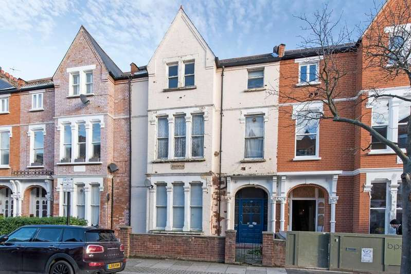 5 Bedrooms Terraced House for sale in Drakefield Road, London