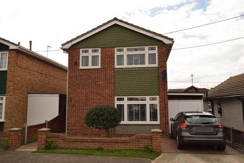 3 Bedrooms Detached House for sale in Station Road, Canvey Island