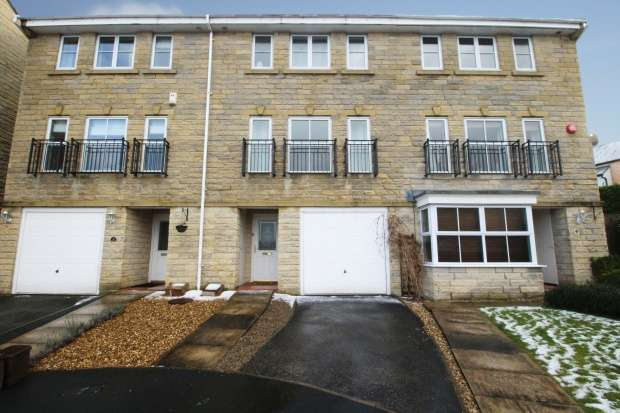 4 Bedrooms Town House for sale in Windermere Rise, Brighouse, West Yorkshire, HD6 4FH