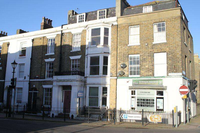 Terraced House for sale in Castle Street, Dover