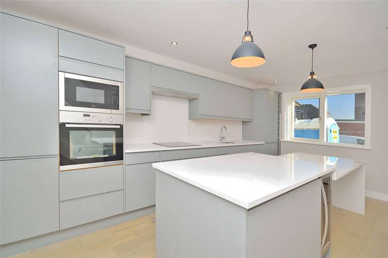3 Bedrooms Semi Detached House for sale in Eirene Avenue, Goring By Sea, Worthing, BN12