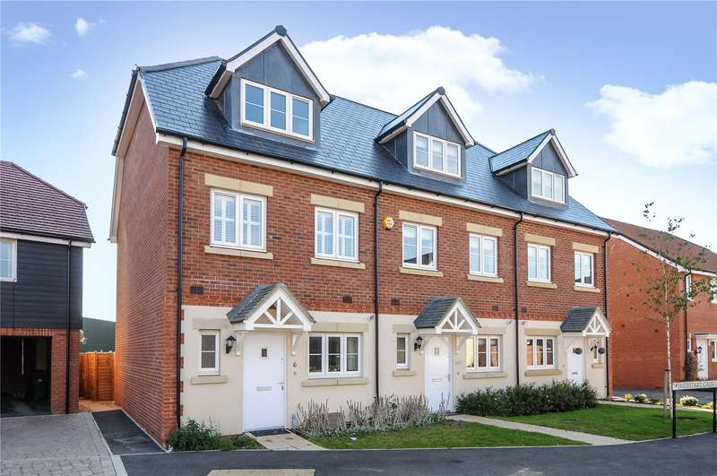 3 Bedrooms End Of Terrace House for rent in Redstart Croft, Bracknell, Berkshire, RG12
