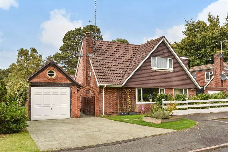 4 Bedrooms Detached House for sale in Tekels Way, Camberley, Surrey, GU15