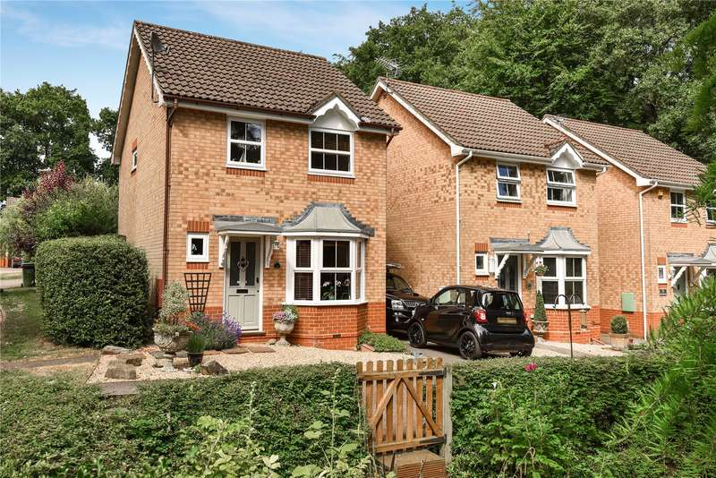3 Bedrooms Detached House for sale in The Breech, College Town, Sandhurst, Berkshire, GU47