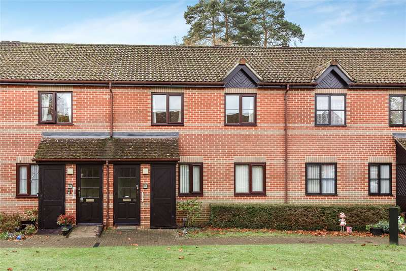 2 Bedrooms Maisonette Flat for sale in Copenhagen Walk, Crowthorne, Berkshire, RG45
