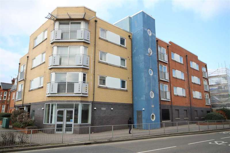 2 Bedrooms Flat for sale in Cassio Apartments, Watford, WD17.
