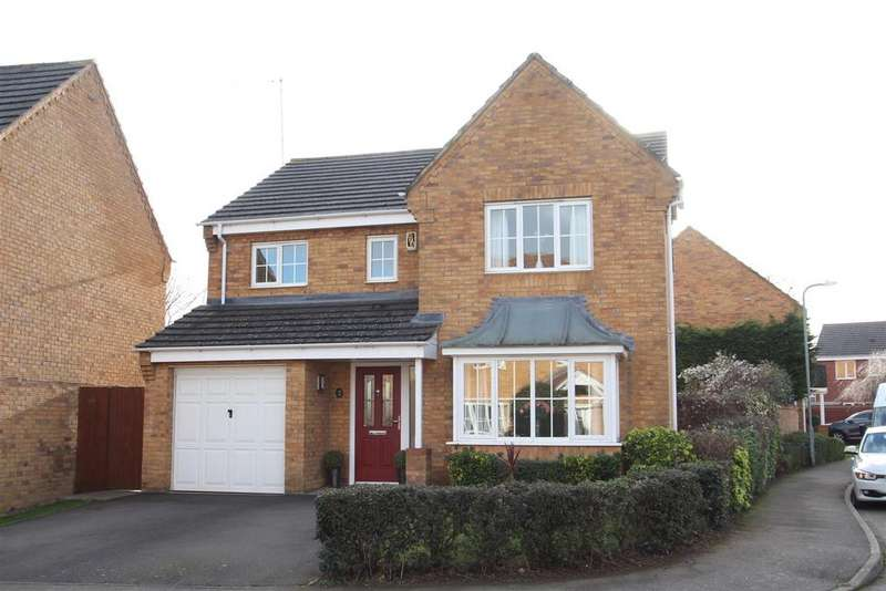 4 Bedrooms Detached House for sale in Chapmans Drive, Old Stratford, Milton Keynes