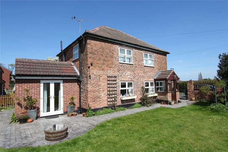 3 Bedrooms Detached House for sale in Walkeringham, Doncaster, Nottinghamshire