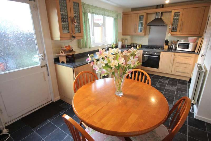 2 Bedrooms Terraced House for sale in Frederick Street, Grimsby, DN31