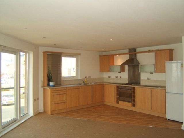 2 Bedrooms Flat for rent in Millennium Quay, Cwrt Clara Novello