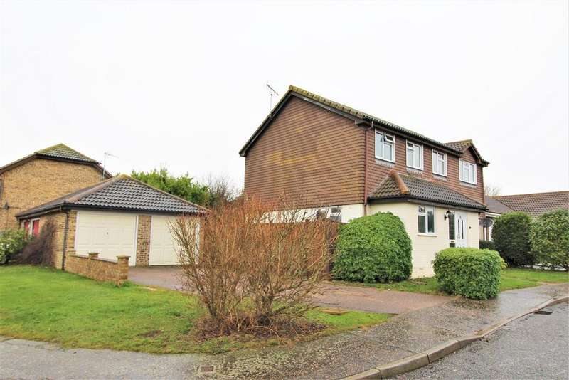 4 Bedrooms Detached House for sale in Grasmere Gardens, Kirby Cross, Frinton-On-Sea