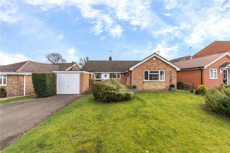 4 Bedrooms Bungalow for sale in Tuffnells Way, Harpenden, Hertfordshire