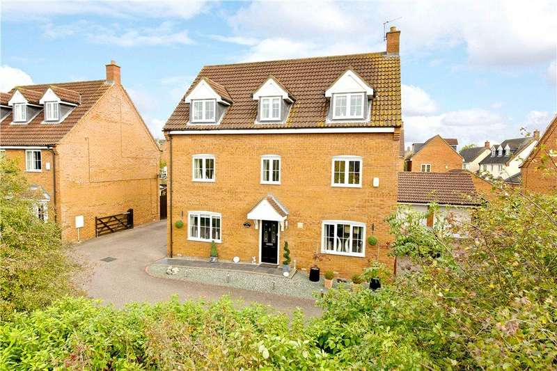5 Bedrooms Detached House for sale in Foxholes Close, Deanshanger, Milton Keynes, Northamptonshire