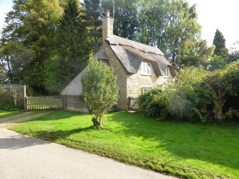 2 Bedrooms Detached House for rent in Hidcote Bartrim, Chipping Campden, Gloucestershire, GL55