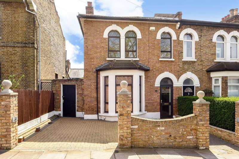 4 Bedrooms Semi Detached House for sale in Thornford Road, Hither Green