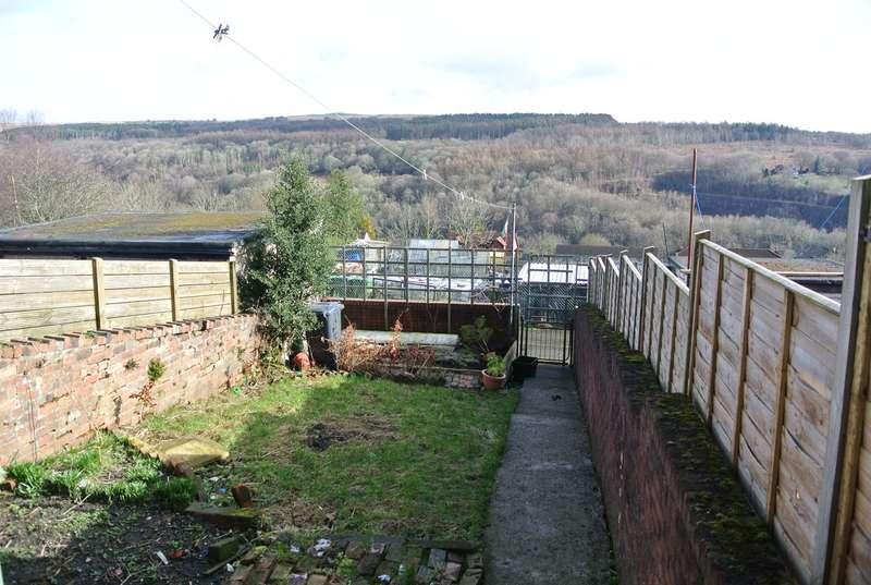 3 Bedrooms Terraced House for sale in Pentwyn Terrace, Abersychan, Pontypool, NP4