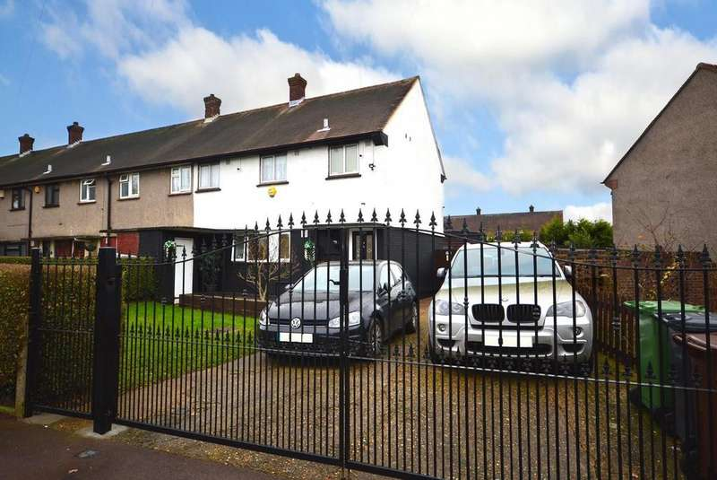 3 Bedrooms Semi Detached House for sale in Billet Road, Chadwell Heath, Romford, RM6
