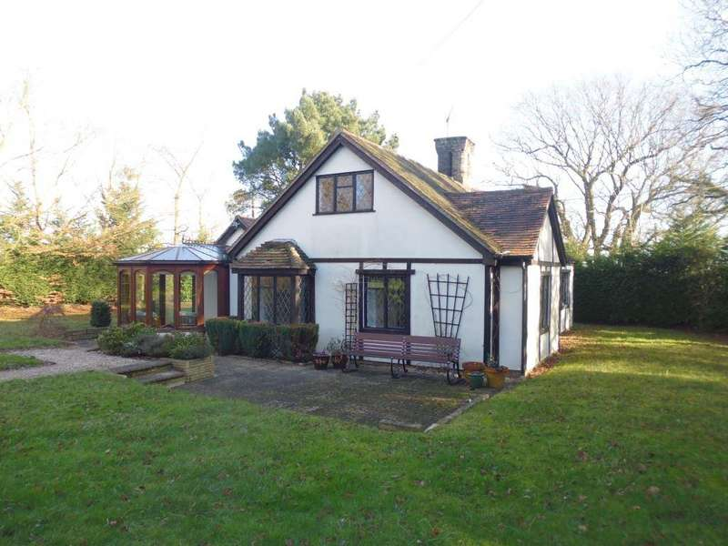 3 Bedrooms Cottage House for rent in Church Road, South Hanningfield, Essex