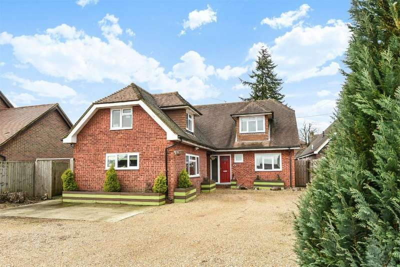 5 Bedrooms Detached House for sale in Four Marks, Alton, Hampshire
