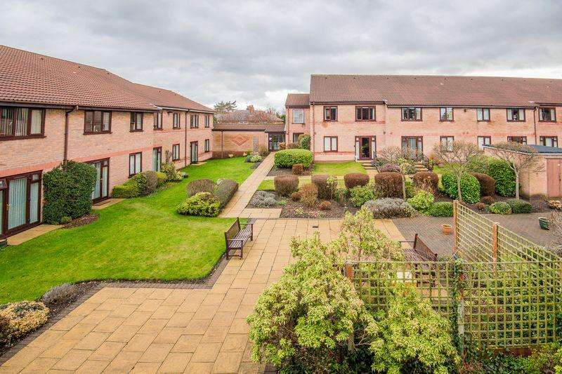 1 Bedroom Retirement Property for sale in Oulton Court, Knutsford Road, Warrington