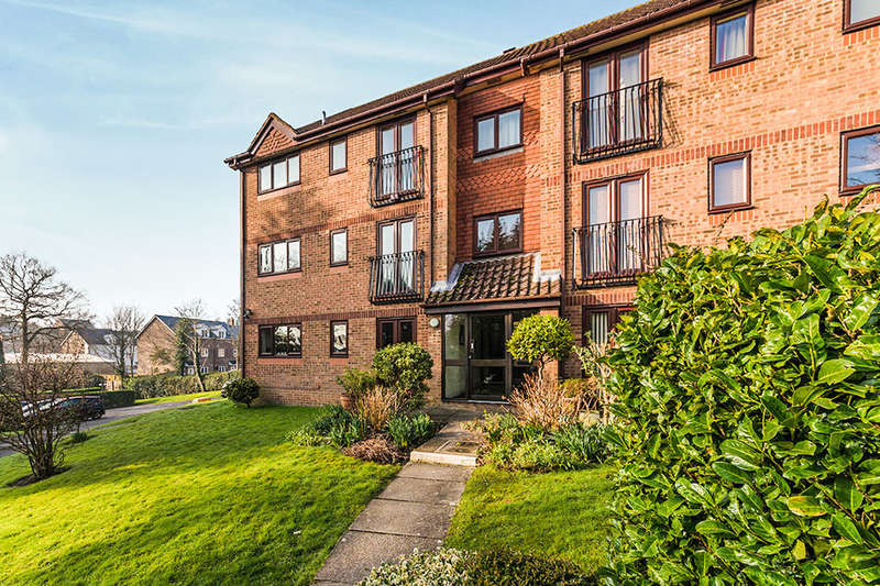2 Bedrooms Flat for sale in Eridge Road, Crowborough, TN6