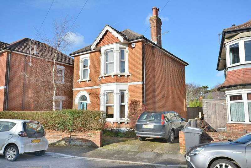 4 Bedrooms Detached House for sale in Linwood Road, Bournemouth
