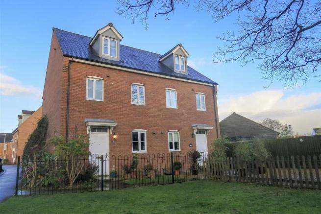 4 Bedrooms Semi Detached House for sale in South Street, Taunton TA1