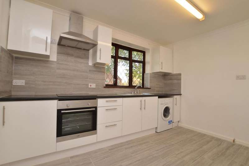 3 Bedrooms Semi Detached House for sale in Somertrees Avenue London SE12
