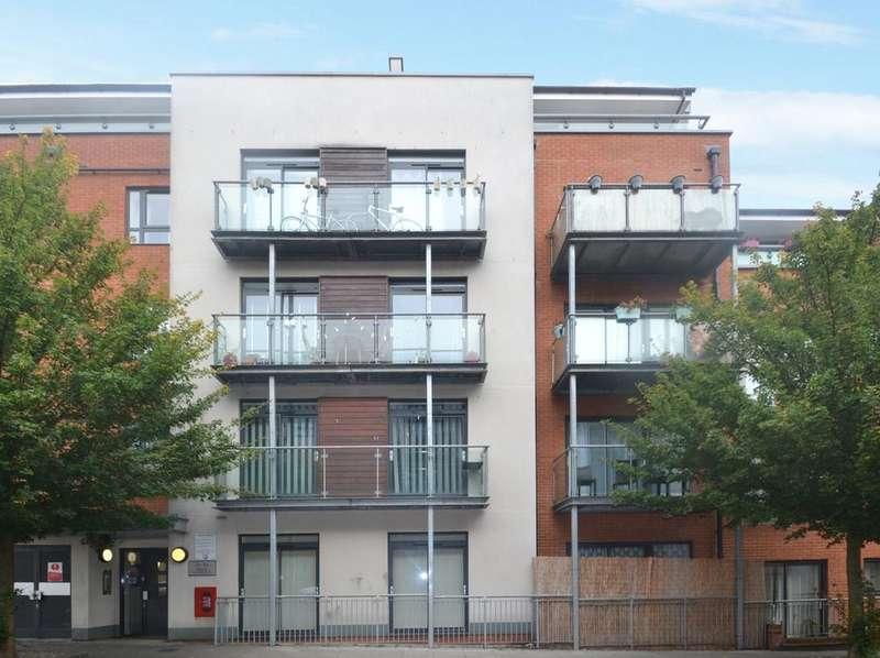1 Bedroom Flat for sale in Desvignes Drive Lewisham SE13