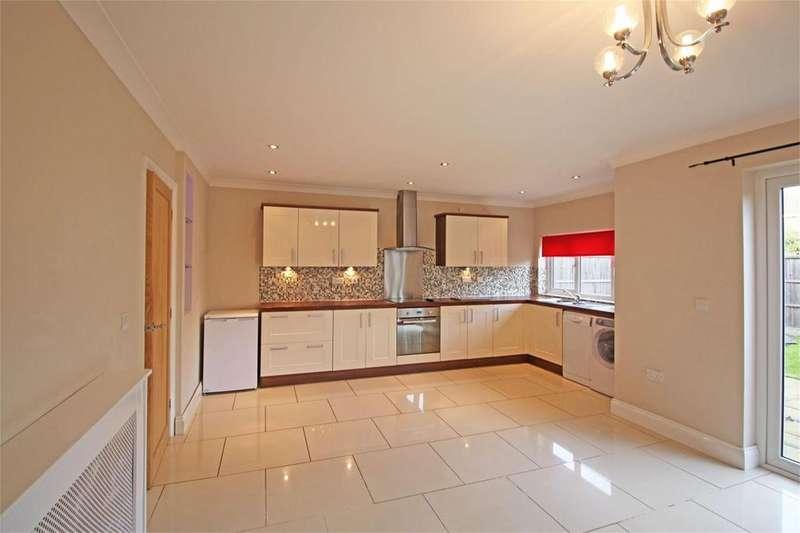 3 Bedrooms Semi Detached House for rent in Hertford Road, Stevenage, Hertfordshire