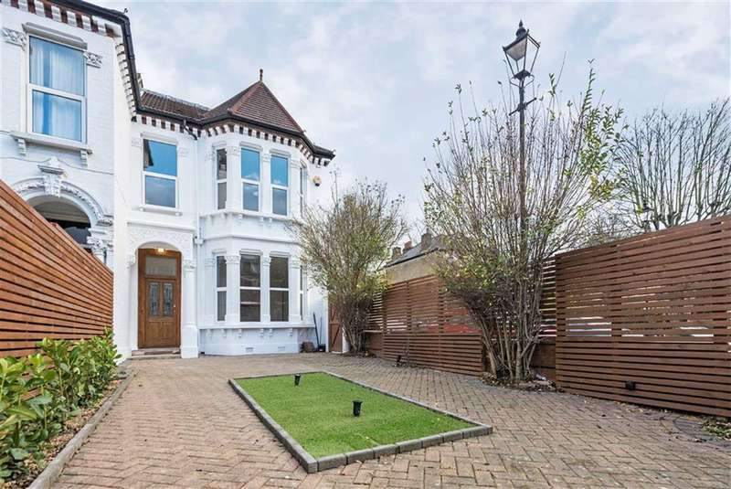 3 Bedrooms Maisonette Flat for sale in Brixton Hill, London, SW2