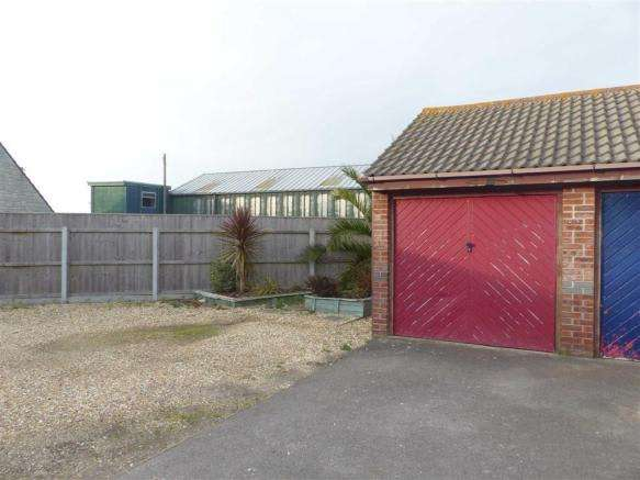 2 Bedrooms Property for sale in Maskew Close, Weymouth, Dorset