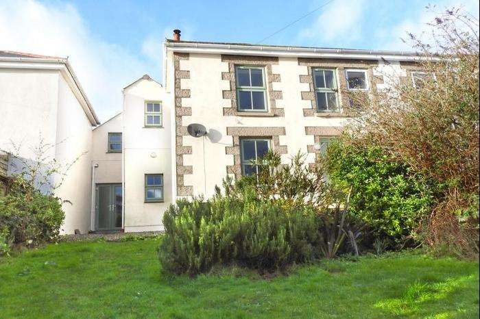 4 Bedrooms Cottage House for sale in 14 WELLINGTON ROAD, PORTHLEVEN, TR13