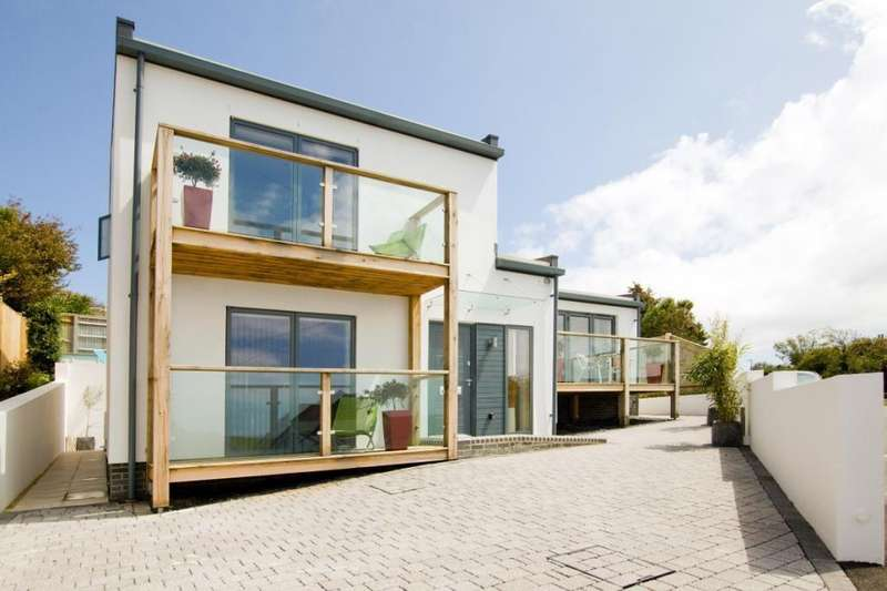 4 Bedrooms Detached House for sale in Ainsworth Avenue, Ovingdean, Brighton, BN2