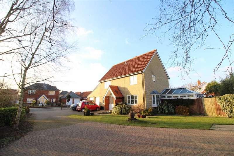 4 Bedrooms Detached House for sale in Sandling Crescent, Ipswich