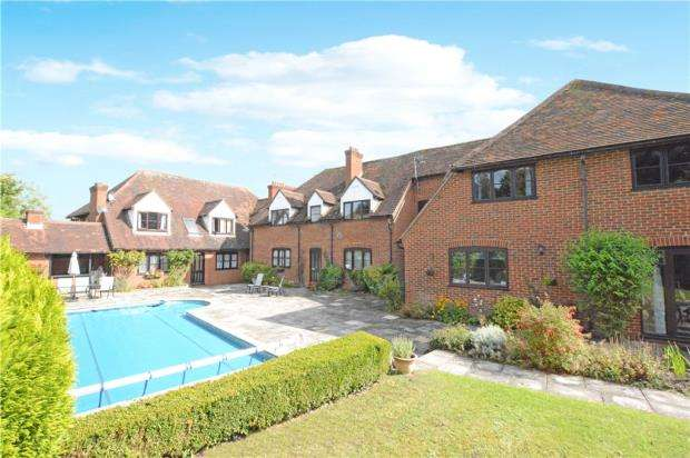 2 Bedrooms Apartment Flat for sale in Tudor Mill, Red Lion Way, Wooburn Green
