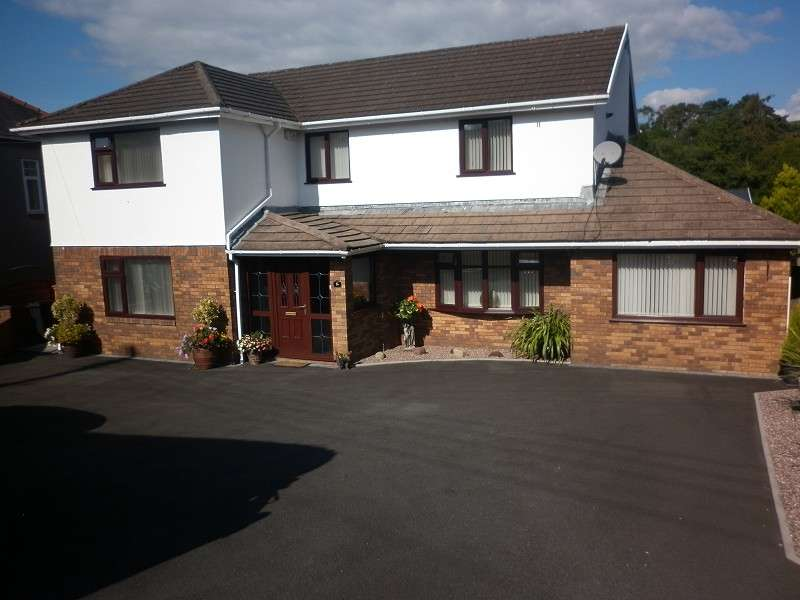 4 Bedrooms Detached House for sale in Dulais Road, Seven Sisters, Neath, Neath Port Talbot. SA10 9EL
