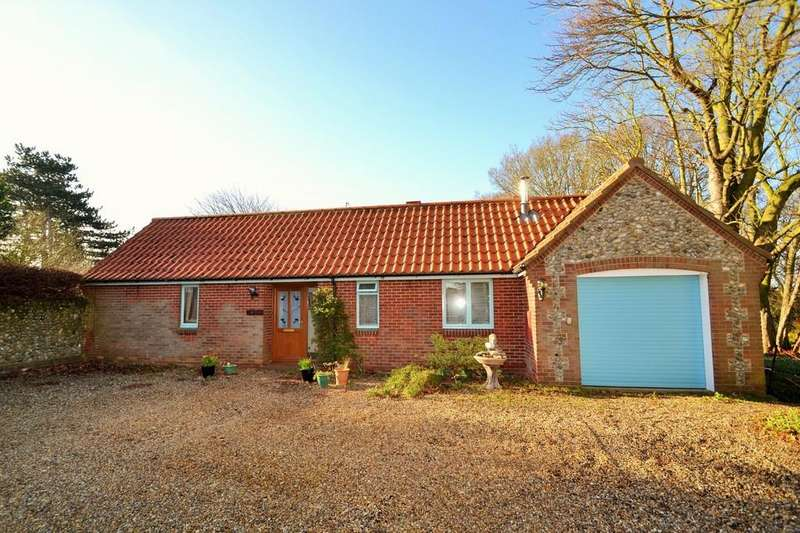 3 Bedrooms Detached Bungalow for sale in Blakeney