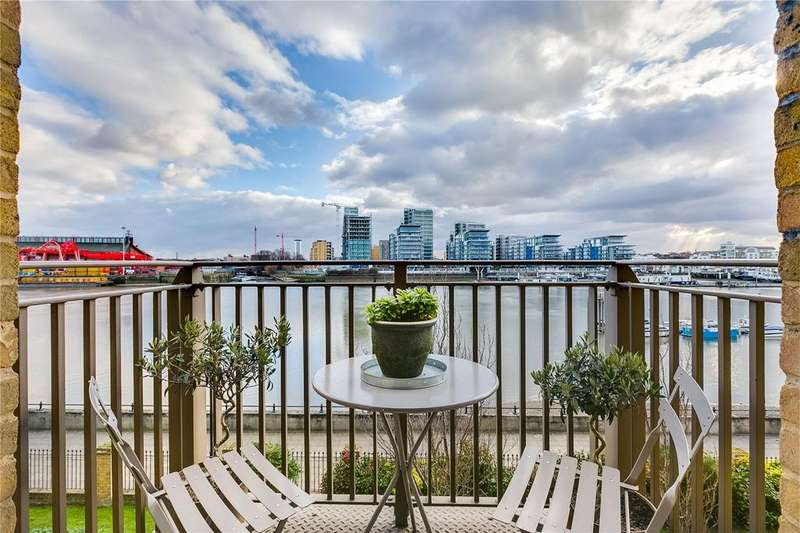 2 Bedrooms Flat for sale in Carnwath Road, Fulham, London