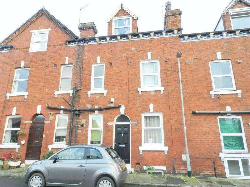 3 Bedrooms Terraced House for sale in Hopewell Place, Leeds