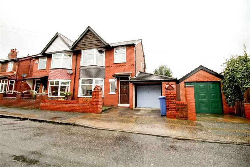 3 Bedrooms Semi Detached House for rent in Bryn Drive, South Reddish, Stockport